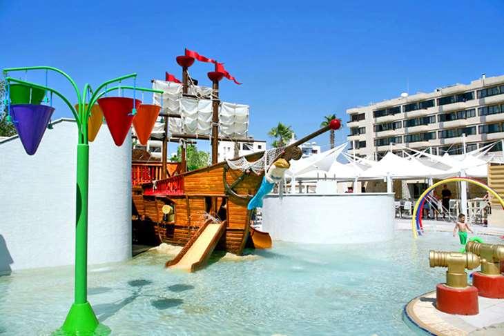 Atlantica Oasis Hotel 5 в Лимассоле
