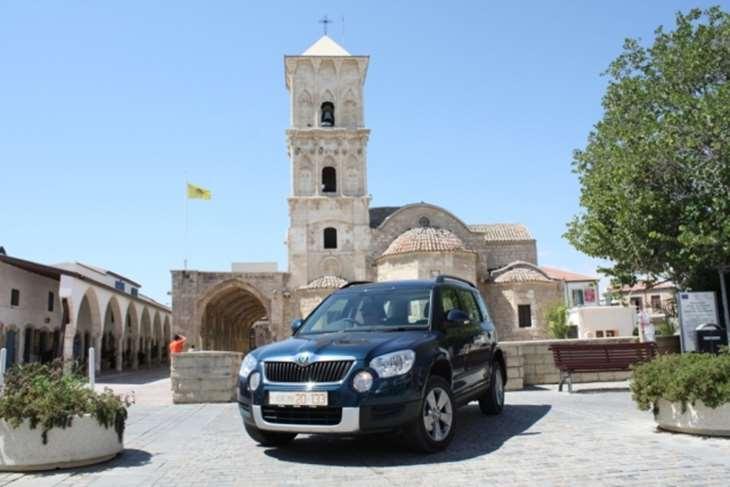 Поездка на машине по Кипру