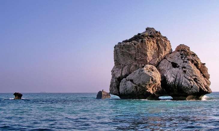 Скала Афродиты на Кипре