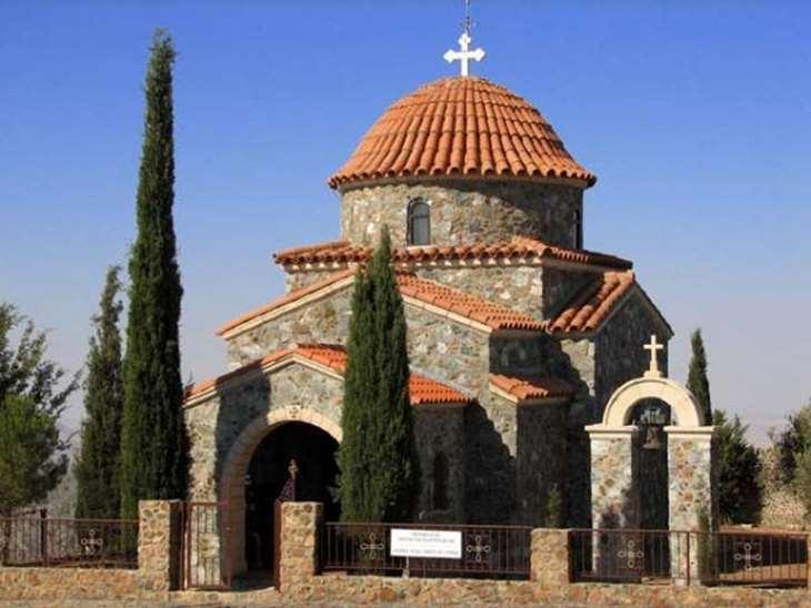 Святой монастырь Старовуни