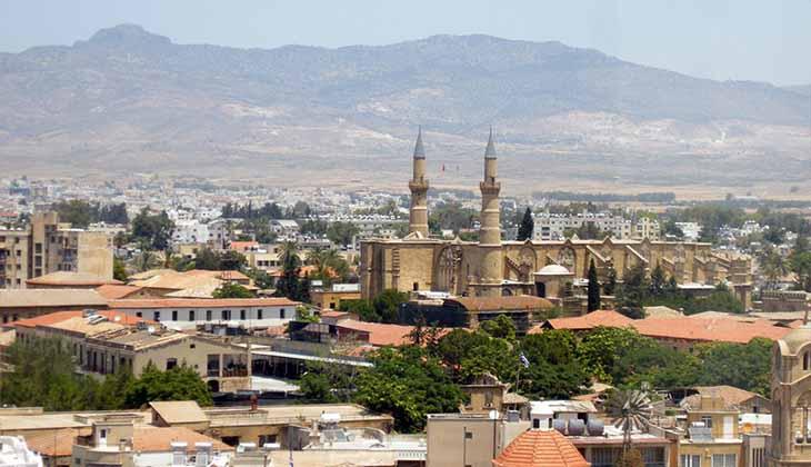 столица двух кипрских государств Никосия