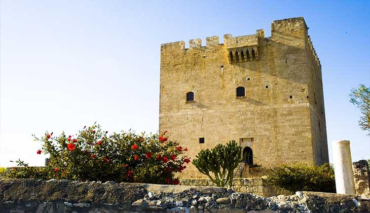 исторический замок Колосси