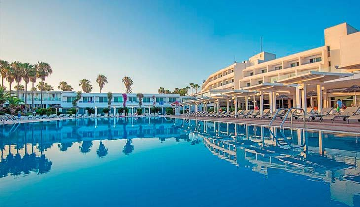 Отель Dome Beach 4*