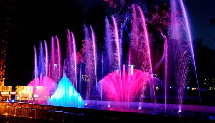 Великолепное шоу фонтанов