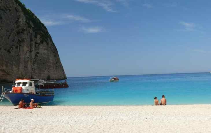 песчаныый пляж Греции