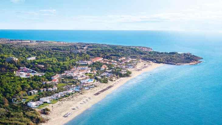 отель на песчаном пляже Пелопоннеса