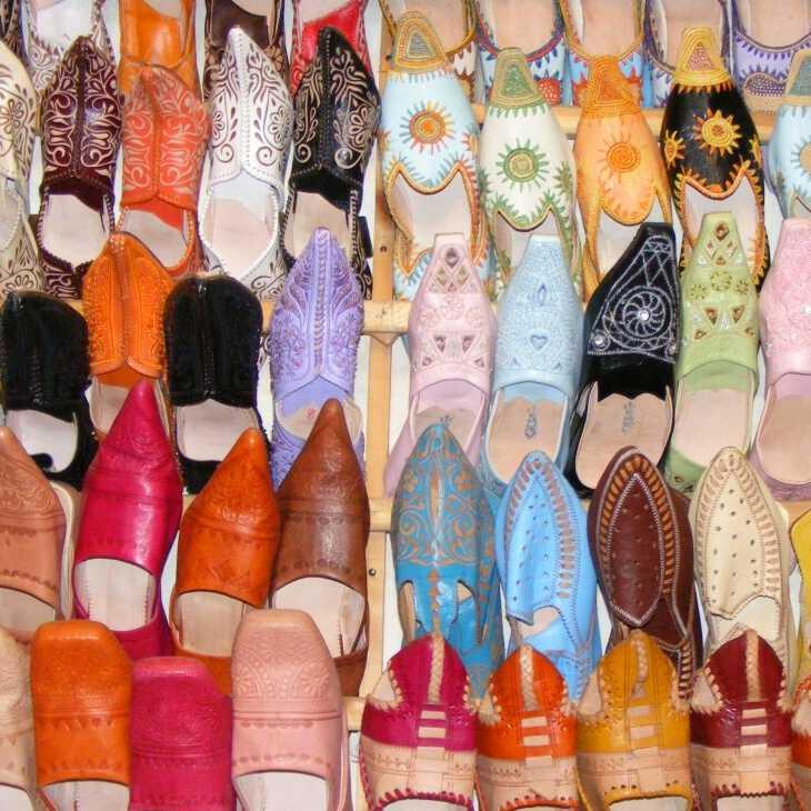 восточные тапочки сувениры тунис что купить тунис что смотреть тунис Что привезти из Туниса: сувениры, одежда и еда gift4